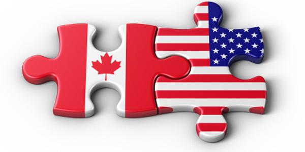 生活在美国还是加拿大?如果移民,去美国定居还是去加拿大? 尽管两国联系紧密,总体生活水平和生活习惯差别不大,两国居民互相迁涉也非常容易,但如果比较一下,从经济生活层面还是有些不同。 首先谈收入,最近三四年, 加元和美元汇率一般在1:1波动,根据2012年统计数据,工作人士年收入平均在税前近4万美元或加元, 所以说几乎一样;收入税和消费税收等差别也不太大,在不同省份大多在5%范围内.