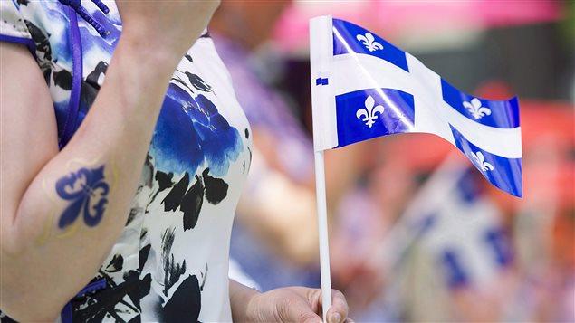 越来越多加拿大魁北克法语中学毕业生v中学上英语学院航空初中生学校考图片